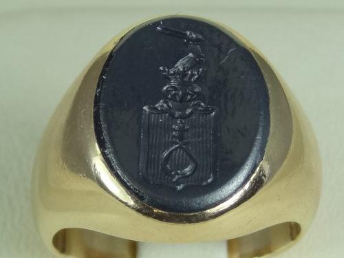 Sygnet wykonany ze złota